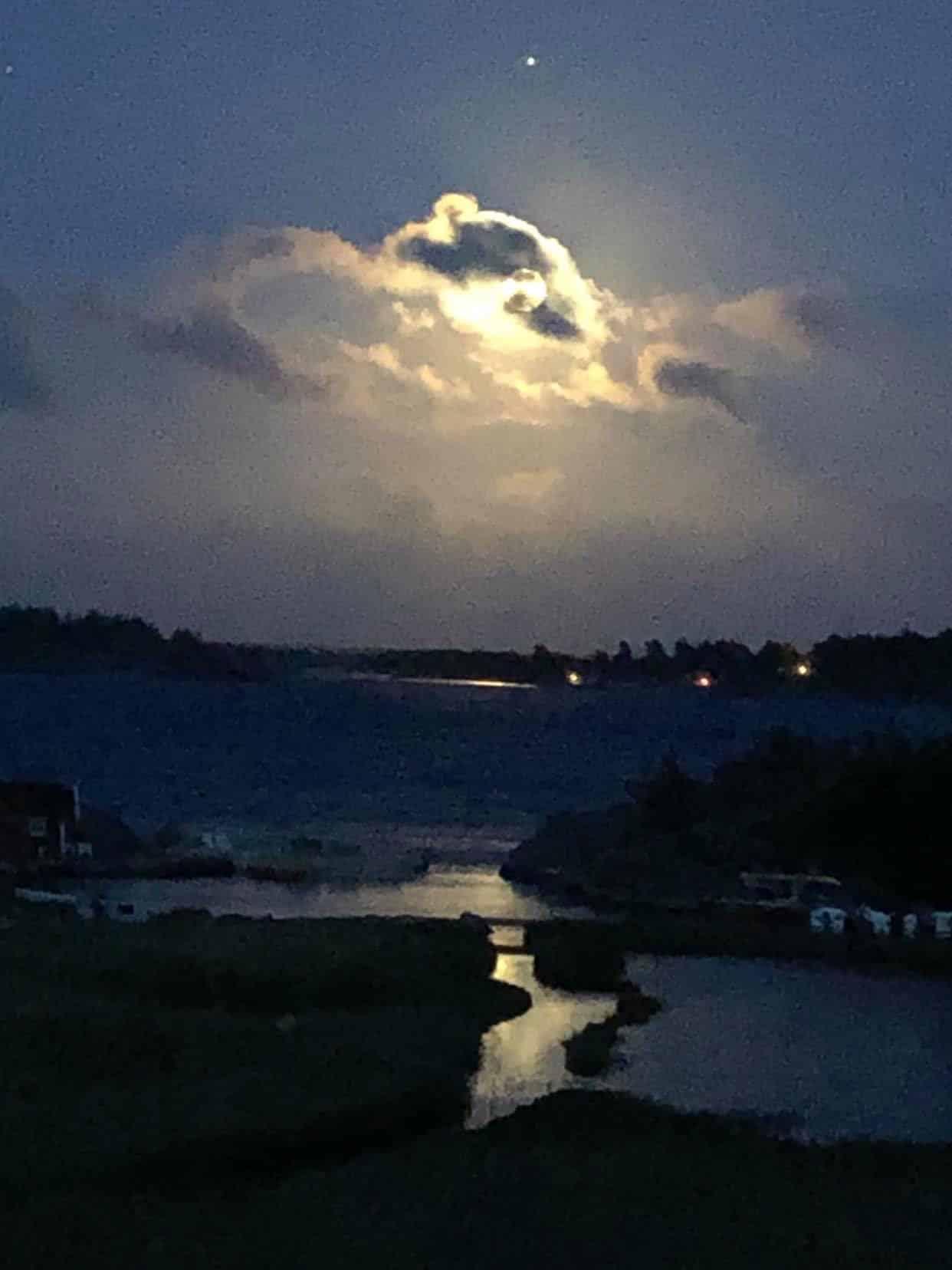 You are currently viewing Pleine lune du 26 mai 2021 – éclipse totale au noeud Sud- axe Sagittaire/Gémeaux